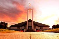 Krytyka działań związanych ze znakami towarowymi w kościele mormonów